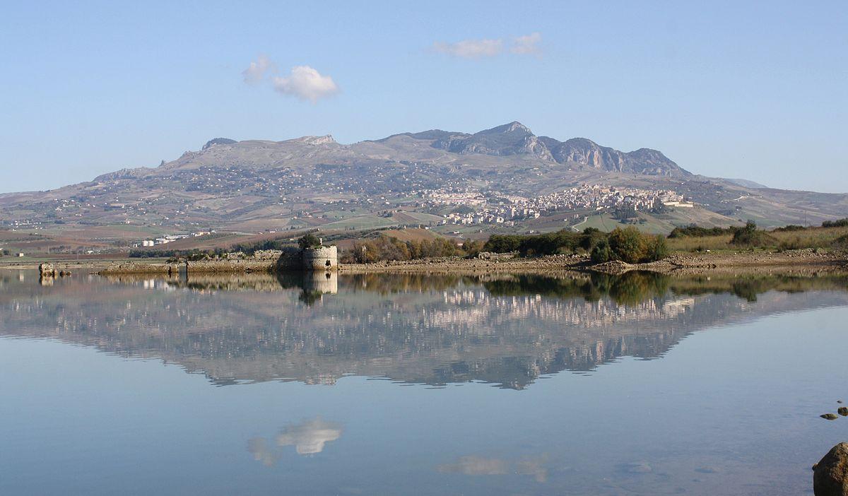 Sambuca - lake Arancio - Sicily